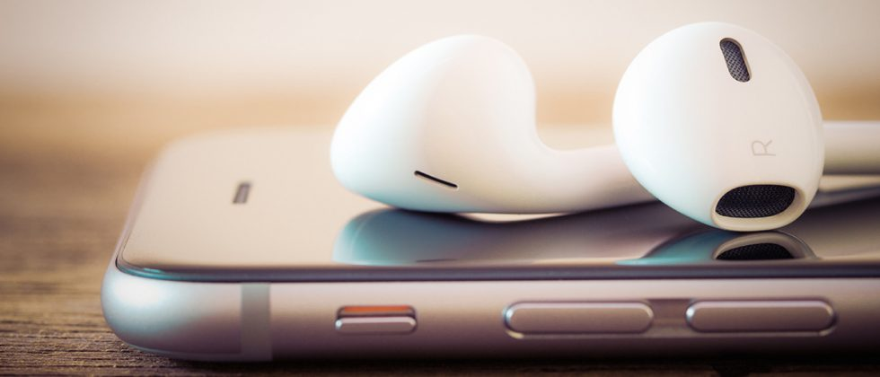 Apple Wireless AirPods images specification price in india