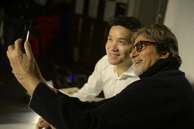 amitabh bachchan with oneplus 6